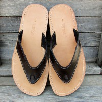Wide Flip Flops With a Hidden Knot