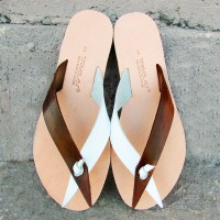 Flip Flops Without Seams, Pointy Straps and Knot.